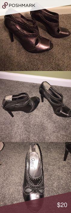Carlos heels Silver beaded heels, open toed, zipper back! Work once Carlos Santana Shoes Heels