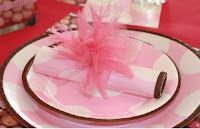 Pink party ideas/inspiration: tulle napkin ring feature www.partyfrosting.com