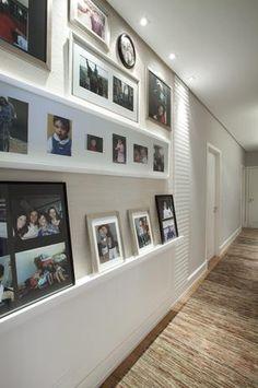 Composição de fotos é a aposta do arquiteto Leonardo Junqueira para dar vida ao corredor