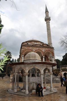 Cihanoğlu camii ve şadırvan