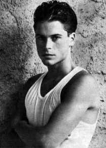 When the light hit the contours of his neck muscles and cheek bones perfectly. | 27 Flawless And Perfect Photos Of Young Rob Lowe