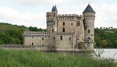 Château (XIIIe et XXe s.) de La Roche à Saint-Priest-la-Roche (Loire, France) | Flickr : partage de photos !
