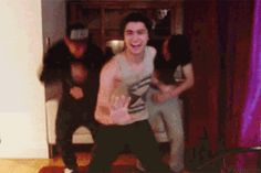 [gif] I still cant get over the fact that zayn lied about him being able to dance... Still love him! :)