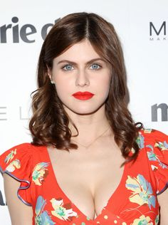 Alexandra daddario red hot cleavage and sexy Thighs – Hot and Sexy Actress Pictures Beautiful Celebrities, Beautiful Actresses, Hot Actresses, Alexandra Anna Daddario, Hollywood Celebrities, Beautiful Eyes, Beautiful Women, Woman Crush, Ta Tas
