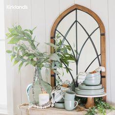 Farmhouse kitchen ideas! 🍴 Tap the image shop sage green dinnerware. 💚 Inspiration, Farmhouse Kitchen, Kitchen Decor, Modern Kitchen, Decor Inspiration, Green Dinnerware, Kitchen Dining, Modern, Stylish Bedroom