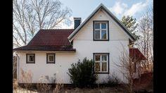 Fint hus. Liggande+stående panel, fasad- och fönsterfoderfärg samt tak.