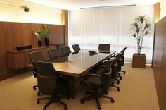 sala de reuniões Office Furniture Design, Office Interior Design, Office Interiors, Office Decor, Luxury Office, Container Office, Room Lights, House Design, Home Decor