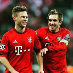 #Kimmich and #Lahm can finally smile after 120 minutes and a 4-2 win during #FCBJuve! #FCBayern #MiaSanMia