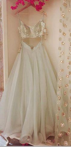 Ideas For Indian Bridal Wear Saree Colour Indian Lengha, Indian Gowns, Indian Attire, Indian Wear, Indian Suits Punjabi, Indian Wedding Outfits, Bridal Outfits, Party Outfits, Indian Engagement Outfit