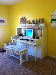 Piano desk...i made it!!
