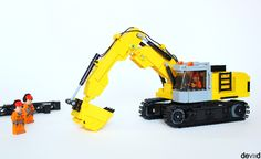 https://flic.kr/p/GMwrQk | Excavator | When I saw the SUPER EVER excavators i have been struck and i continued with my thirst for learning, i want to build some tracked vehicles and here the result. (Of course is totally playble)