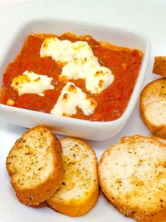 This irresistible dip combining deliciously sweet and garlicky tomatoes topped with gooey, rich baked goat cheese will have every guest begging for the recipe. Slimfast Recipes, Diet Recipes, Baked Goat Cheese, Fire Roasted Tomatoes, Slim Fast, Meal Planning, Good Food, Healthy Eating, Appetizers
