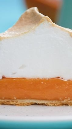 Recipe with video instructions: These blood ranges give a beautiful twist to your classic orange tart. Topped with meringue clouds they are the most adorable desserts! Ingredients: 350g plain...