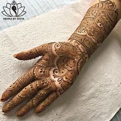 Beautiful and Easy Mehndi Designs for Eid Celebration - PK Vogue Henna Hand Designs, Dulhan Mehndi Designs, Mehendi, Wedding Mehndi Designs, Beautiful Henna Designs, Latest Mehndi Designs, Simple Mehndi Designs, Mehndi Designs For Hands, Mehandi Designs