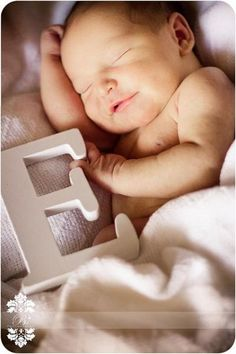 Newborn Photo Shoot...could do with name puzzle