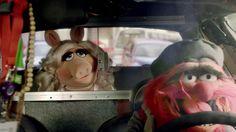 Fantástica bajada!! solo que la ciudad llena de animales me da miedo jajajajajj How To #BeMoreTea with Lipton & The Muppets!