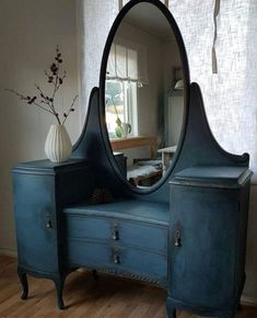 Vintage Makeup Antique Makeup Vanity for Sale Beautiful Vintage Vanity Desk Painted with Miss Mustard Seeds Artissimo Diy Refurbished Furniture, Repurposed Furniture, Shabby Chic Furniture, Vintage Furniture, Cool Furniture, Vintage Desks, Antique Painted Furniture, Salon Furniture For Sale, Refurbished Vanity