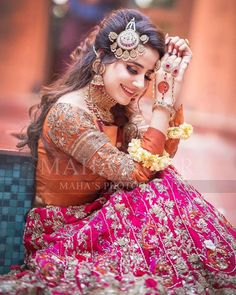 Latest Collection of Pakistani Bridal Dresses 2019 Pakistani Bridal Makeup, Bridal Mehndi Dresses, Pakistani Wedding Outfits, Bridal Dress Design, Bridal Style, Pakistani Dresses, Indian Outfits, Mehndi Outfit, Indian Wedding Bride