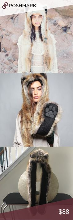 Red fox spirit hood In excellent condition with no flaws! Gorgeous faux fur hood. Thanks for looking and make an offer.💕 SpiritHoods Accessories Hats