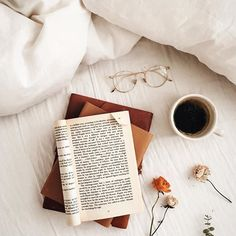 For day seven I chose this picture as my favourite book flatlay. Cozy Aesthetic, Autumn Aesthetic, Brown Aesthetic, Flat Lay Photography, Book Photography, Flatlay Instagram, Book Flatlay, Coffee Flatlay, Fall Inspiration