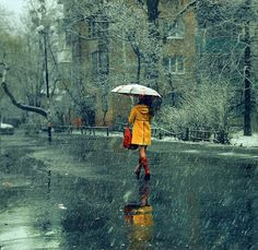 I Love Rain! This picture is so peaceful! Walking In The Rain, Singing In The Rain, Yellow Coat, Mellow Yellow, Yellow Raincoat, Rainy Night, Rainy Days, Rainy Sunday, I Love Rain