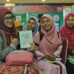 Assalamu'alaikum Jamaah Yang Sholih dan Sholihah... Kamu Masih Gak Ngerti Apa Itu Cinta dan Bagaimana Memaknai Cinta..? #Itu Artinya Kamu Harus Baca Buku #MariBicaraCinta dari Majelis @TausiyahCinta_  #Promo Ramadhan Hanya Rp 50.000 (Harga Normal Rp. 75000) .  Khusus 20 Pembeli Pertama Dapat Hijab Klip Turky seharga Rp. 45.000 dari @almirajewelry   Buruan Ketik Nama/Jumlah Buku/Alamat Lengkap/No HP  Kirim di Chat WhatApp 08176694030 atau Via Line@ dengan ID TausiyahCinta (Pakai @)   Setiap…