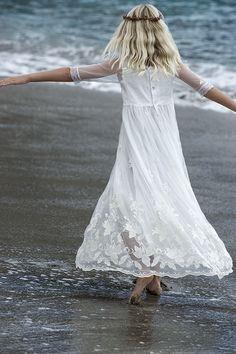 Vestido blanco de encaje para niña Communion Dresses, Spring Summer 2015, First Photo, Pretty Pictures, Claire, Lace Skirt, Special Occasion, Girl Fashion, Tulle