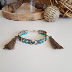 Encore un petit nouveau . Collection SS3016 #peaudanne #perles #diy #jewelry #bracelet #bijoux #pompon #madewithlove #madeinfrance #faitmain #perlesandco #miyuki #manchette #jenfiledesperlesetjassume #ss2016