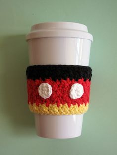Mickey Mouse Inspired Crochet Coffee Cozy por TheEnchantedLadybug, $13.00