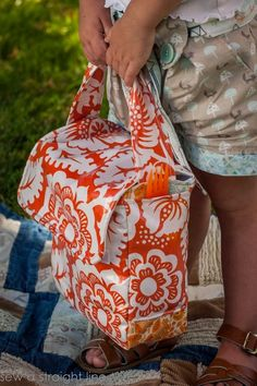 Love Your Lunch Box. Pattern from Gingercake Patterns, sewn by Sew a Straight Line. This pattern is perfect, with the same dimensions and details as lunch bags you find in stores.