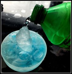faire geler eau instantanément, eau qui gèle sur commande, magic ice, surfusion eau Camping Activities, Toddler Activities, Science Experience, Freeze Ice, Club Kids, Science For Kids, Elementary Schools, Summer Fun, Crafts For Kids