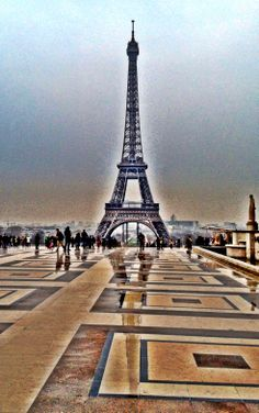 Just after a rainstorm looking down from Trocadero #eiffeltower #paris  #toureiffel