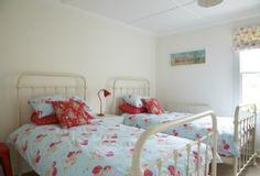 Bradford on Avon cottage rental - Twin room decorated with Cath Kidston fabrics
