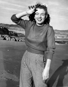 Andre de Dienes, Norma Jeane, Marilyn Monroe, 1945.