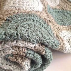Three Beans in a Pod crochet retro circles pram blanket