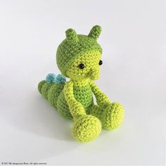Just look at this lovely little Caterpillar – isn't it one of its kind? Sure this gorgeous softie will be a funny gift for your friends or just a cute bookshelf or desk resident. And made by you! ***PLEASE NOTE: THIS IS ONLY A DIGITAL CROCHET PATTERN, NOT THE FINISHED ITEM - NO