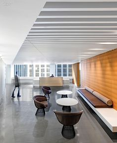 Category: Midsize Corporate Office. Project: Cushman & Wakefield. Firm: Gensler. Location: San Francisco, CA. Photography by Jasper Sanidad.