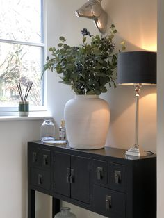 Beautiful hallway styling by the lovely Sarah Jane from Here she shows our fabulous Regent lamp base with navy velvet shade alongside our best-selling cream textured ceramic vase. Console Table Styling, Faux Flower Arrangements, Going Gray, Faux Flowers, Lamp Bases, Ceramic Vase, Hallways, Own Home, Interior Inspiration