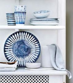 Loving this new 'SKAGEN' tableware range from the Broste Copenhagen catalogue Broste Copenhagen, Royal Copenhagen, Skagen, Style At Home, White Houses, Decoration Table, Coastal Decor, Home Accessories, Blue And White