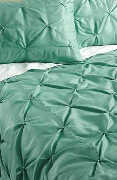 textured duvet // love this sea foam color King Comforter Sets, Bedding Sets, Home Bedroom, Bedroom Decor, Linen Bedding, Bed Linen, Soft Furnishings, Luxury Bedding, Home Gifts