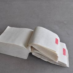Unwritten hanging Daicho account book (Dealer: hotoke antiques) – White every pages with no writing. An object of layered zero memory as a white abstraction. circa Meiji period (1868-1912). approx. L 20 cm (7.87in), W 15 cm (5.90in), T 10 cm (3.93in)
