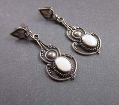 Bali Sterling Silver vintage Earrings - opal.