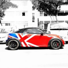 Union Jack ....I LOATHE Minis but   I would totally drive this...