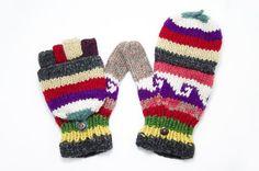 剛剛逛 Pinkoi,看到這個推薦給你:情人節 限量一件手織純羊毛針織手套 / 可拆卸手套 / 內刷毛手套 / 保暖手套 - 繽紛色森林民族圖騰 - https://www.pinkoi.com/product/1nKA1ojP
