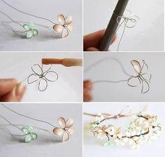 マニキュアフラワーとは、ワイヤー細工のお花にマニキュアの膜をはって色付けする手芸のこと。古くなって粘度が出てきたマニキュアの再利用にもなりますし、工程も簡単で楽しめるとあって、海外でもとても人気があります。どんどん作って上手くなったら、かなり美しいマニキュアフラワーアクセサリーができますよ。さっそく作り方を見てみましょう!