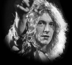 20th Aug 1948, Born on this day, Robert Plant, singer with Led Zeppelin who had the 1969 US No.4 single Whole Lotta Love. The bands fourth album released in 1971 featuring the rock classic Stairway To Heaven has sold over 37 million copies. Plant had the 1983 solo hit single Big Log. Also a member of The Honeydrippers, (with Jimmy Page, Jeff Beck & Nile Rodgers), who had the 1984 US No.3 single Sea Of Love. Had the Grammy award winning 2007 album Raising Sand with bluegrass star Alison…