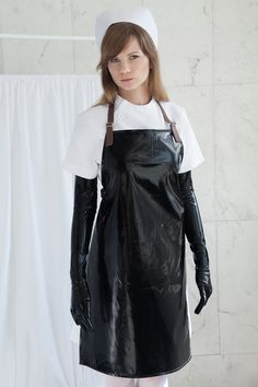 Black PVC Apron with Leather Straps - Bondage / BDSM / Sadist / Medical / Waterproof / Luster / Gloss / Fetish Nurse / Audition 1999 Cute Nursing Scrubs, Latex Fashion, Steampunk Fashion, Gothic Fashion, Fashion Models, Women's Fashion, Plastic Aprons, Pvc Apron, Country Wear