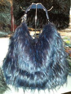 Ladies Faux Leather and Fur Slouch Handbag Beutel sac 57,18 € su www.bandana.it