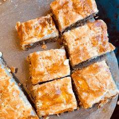 Tee itse leipäjuustoa | Lisukkeet | Kodin Kuvalehti Spanakopita, Cornbread, Smoothie, Cupcakes, Baking, Ethnic Recipes, Food, Millet Bread, Cupcake Cakes