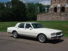 Caprice Classic For Sale, Chevy Caprice Classic, Chevrolet Caprice, Classic Chevrolet, Chevrolet Corvette, American Classic Cars, Best Classic Cars, General Motors, Toyota